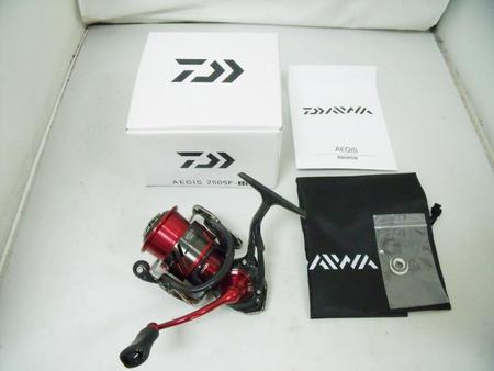 Daiwa ダイワ '17 AEGIS イージス 2505F-H【中古Cランク】